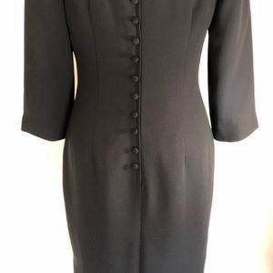 Maggie London black lined dress stunning